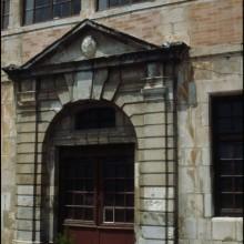 Porte d'entrée de la Maison de l'Infante