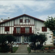 Façade de l'hôtel-restaurant Ithurria.